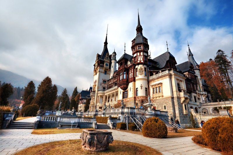 Top-7-Castles-in-Romania-You-Must-See-Before-You-Die-1