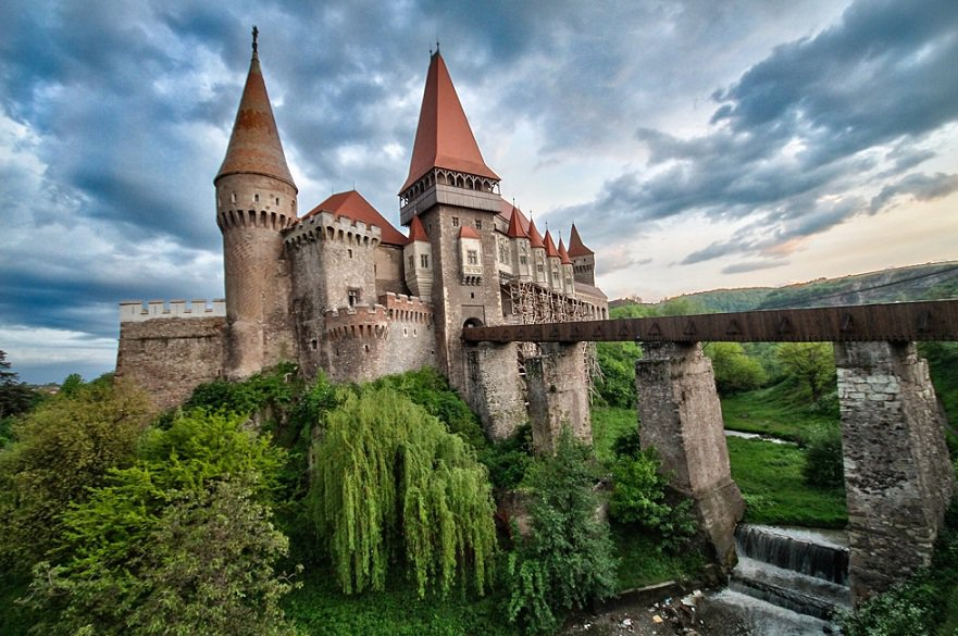 Top-7-Castles-in-Romania-You-Must-See-Before-You-Die-3