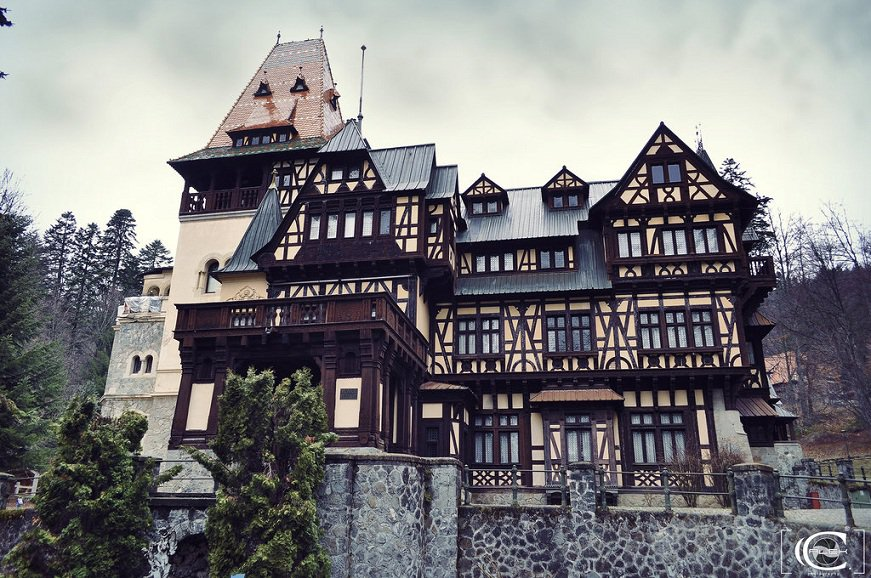 Top-7-Castles-in-Romania-You-Must-See-Before-You-Die-6