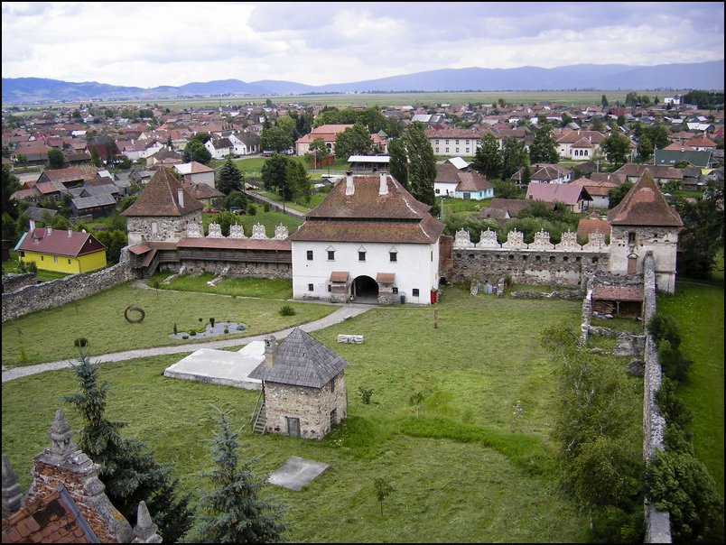 Top-7-Castles-in-Romania-You-Must-See-Before-You-Die-7