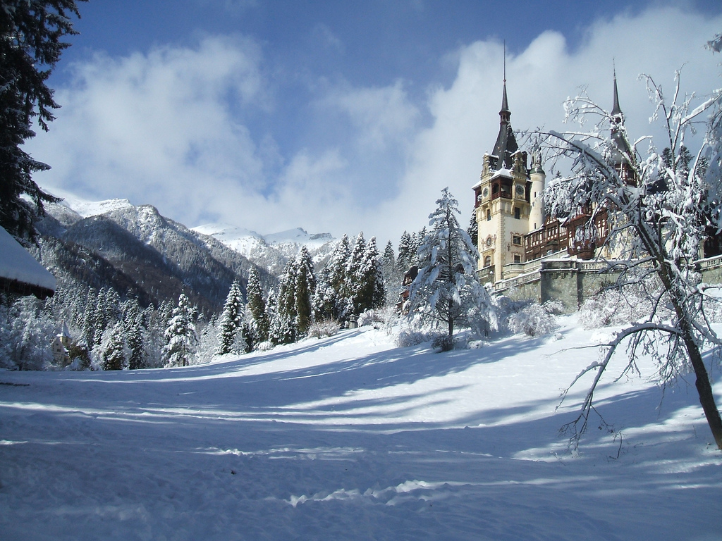 peles-palace-romania-castles-winter-romanian-pictures-carpathian-mountains-europe